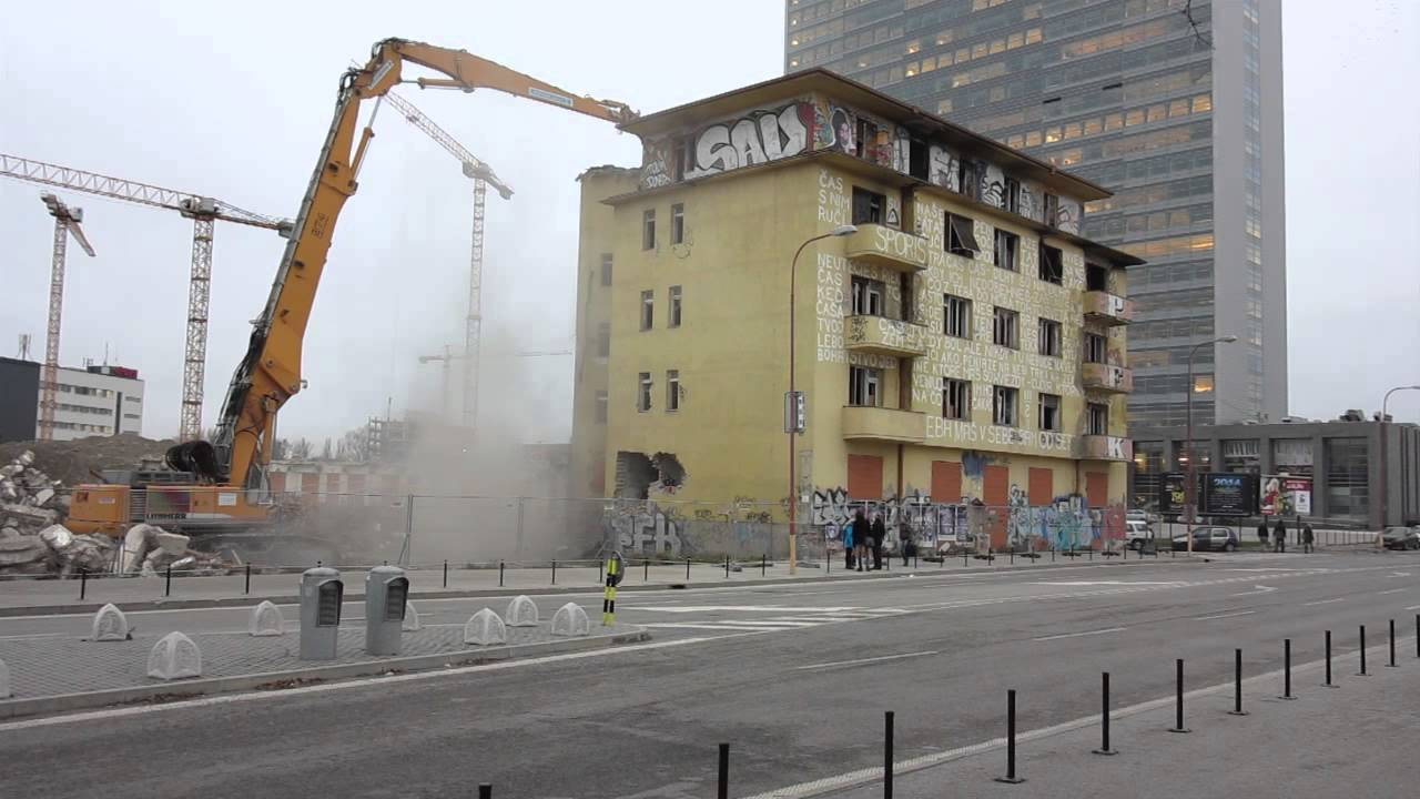 5f84468d72 Okolo bratislavskej Eurovey je zbúranisko - Bratislava SME