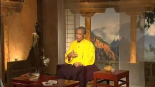 Ein Interview mit Sakyong Mipham Rinpoche auf Französisch TV. (1 of 2)