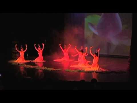 Hương sen - Nhóm múa Sen Trắng của Cộng đồng Ba Lan