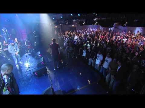 Gorilaz - Clint Eastwood (Live on Letterman)