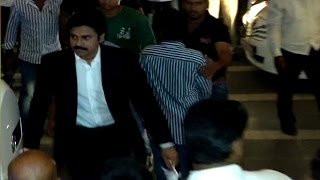 Chiranjeevi 60th Birthday Party | Pawan kalyan Attends for 5Min Only| Check This