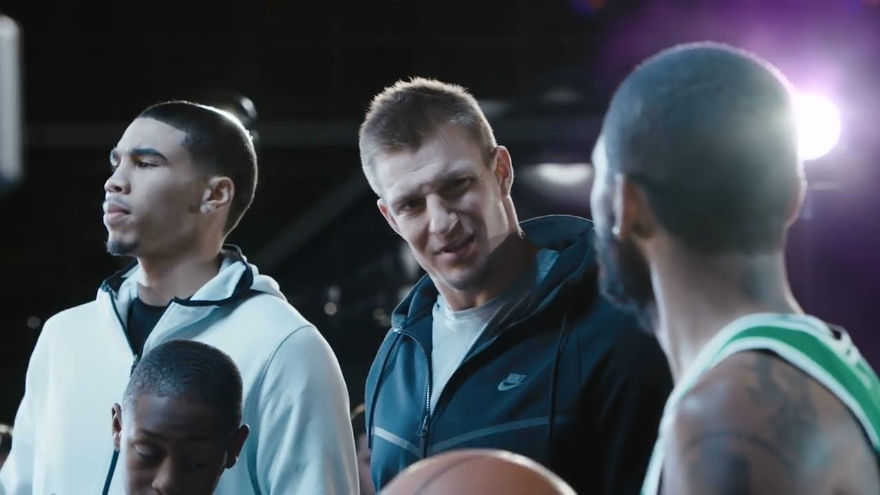 With Gronkowski And Rob New Jason Commercial Irving Nike Funny Kyrie PaAqXw1