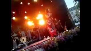 Erin - Vanha nainen hunningolla & Ei taida tietää tyttö live @ Kuopion Viinijuhlat 1.7.2014