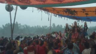 পূজায় বৌদির হট ডান্স দেখে মাথা নষ্ট মামা  / নিউ বাংলা হট ভিডিও/ Bangla hot dance 2017
