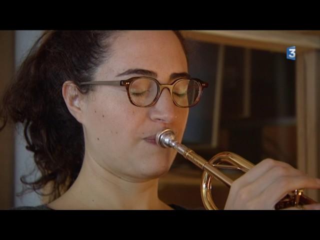 Airelle Besson en studio d'enregistrement pour un concert en langue des signes (feuilleton 2 sur 3)