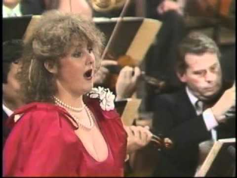 OFFENBACH - Les contes d'Hoffmann - Edita Gruberova canta l' aria di Olympia