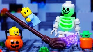 LEGO CITY HALLOWEEN | Baby Trick or Treat Fail | LEGO STOP MOTION