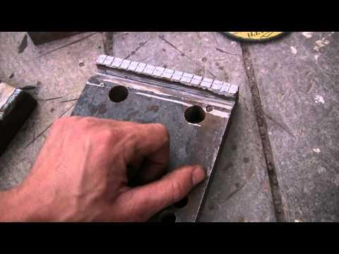 Стапель своими руками, делаем зажимы под короба, видео 5