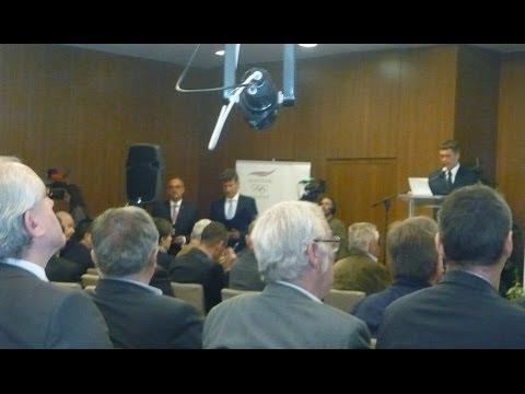 Magyar Olimpiai Bizottság 2014 évi közgyűlésén MOB Érdemérmek átadása ...
