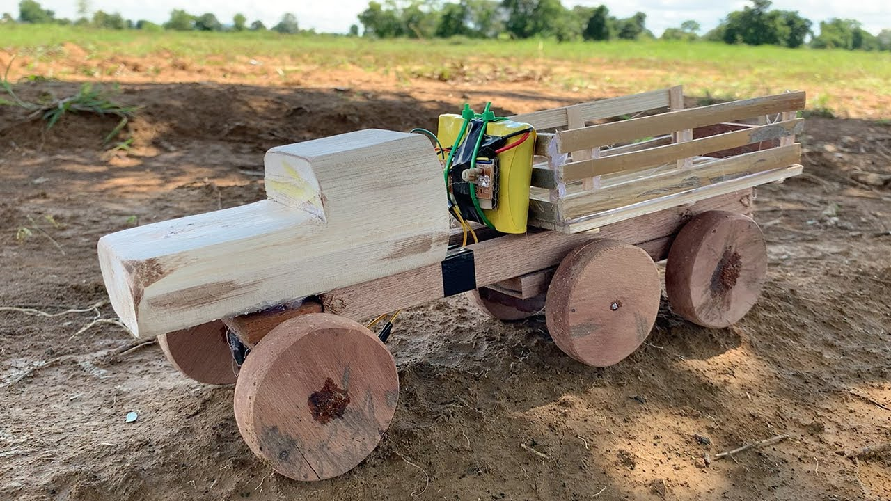 Woodworking Projects - Homemade Wooden Truck