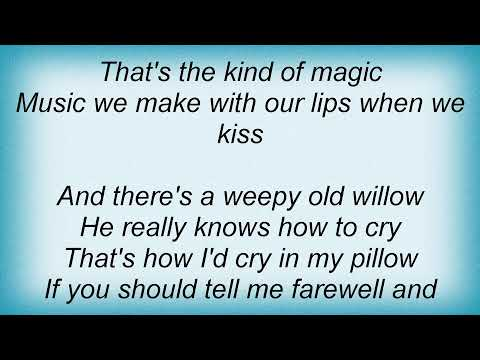 Sarah Vaughan - Lullaby Of Birdland Lyrics