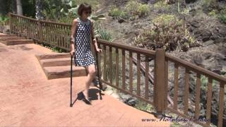 Repeat youtube video Amputee Nina in the Zoo
