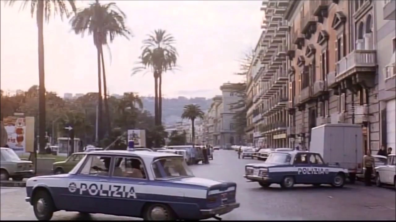 Inseguimento car chase - Napoli spara! 1977 - YouTube