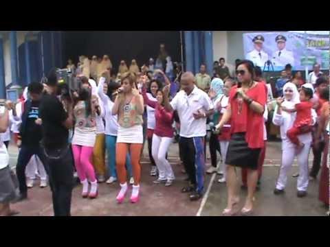 walang sangit live@ dahsyat cipondoh [crew camera]