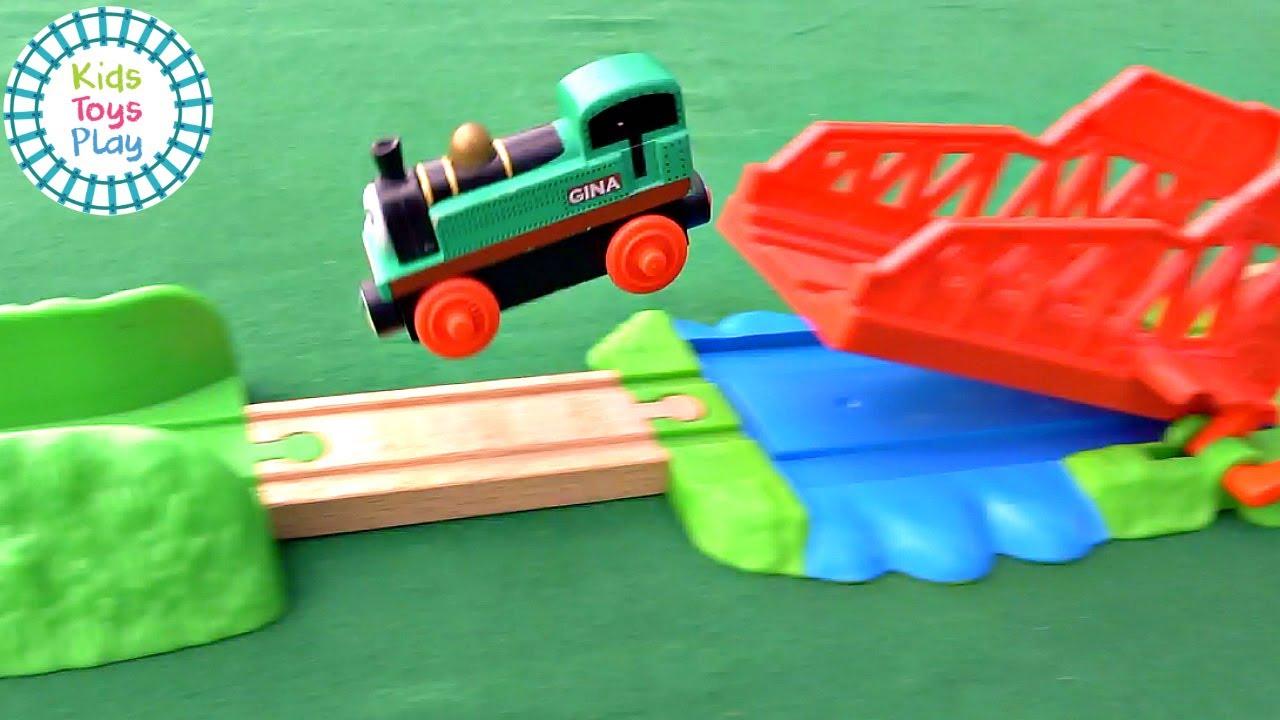 Thomas the Tank Engine Train Crash Compilation