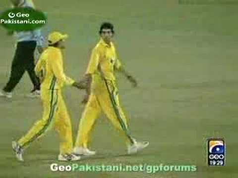 Shahid Afridi 49 off 18 balls - Twenty20 Travel Video