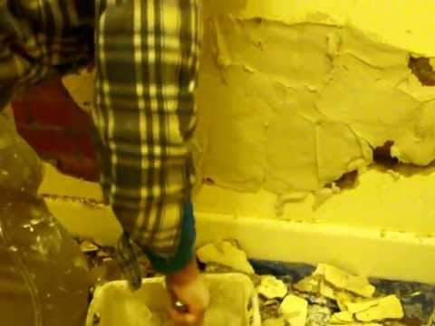 Plaster repair large hole in wall