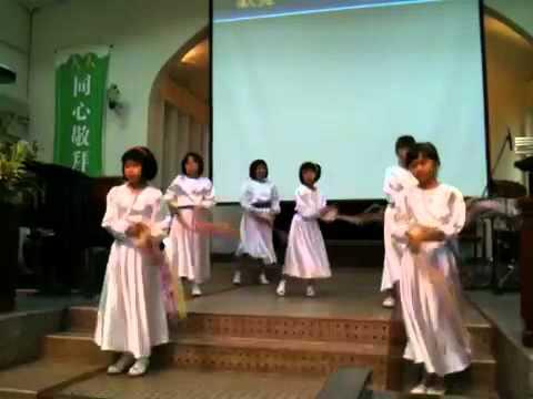 711724eec15e Kids Tambourine dance - YouTube