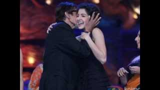 Amitabh Bachan kisses Anushka Sharma On Stage