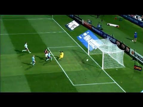 So unlucky! Wanderers hit the crossbar twice