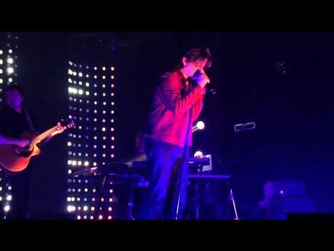Personne dans mon lit (Vengeance) ~ Benjamin Biolay ~ Concert AB Bruxelles (26-04-2013)