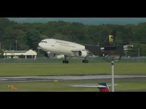 UPS A300-600 Lands Runway 33 at Bradley International Airport [BDL]