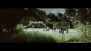 Lange Frans & Baas B - Zinloos (Official Video)