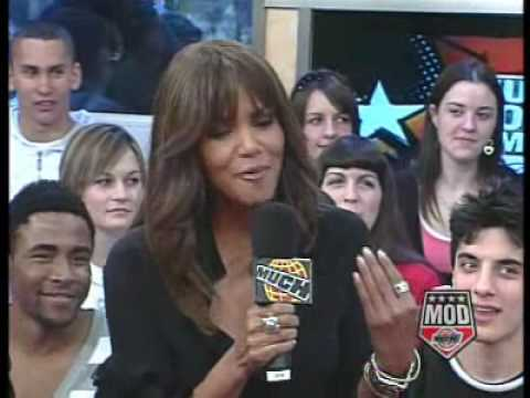 Halle Berry gives dating advice