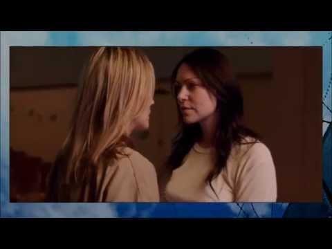 Orange is The New Black: First kiss in prison of Alex & Piper (S1E09)