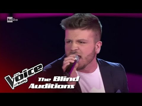 "Alessio Parisi ""Impossible"" - Blind Auditions - The Voice of Italy 2018"