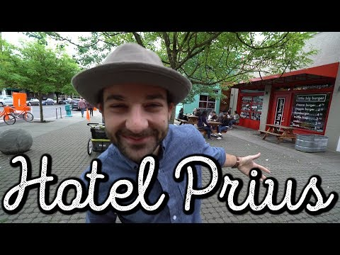 HOTEL PRIUS + POWELL'S BOOKS - PORTLAND 🚌 #VanLife Vlog: 229
