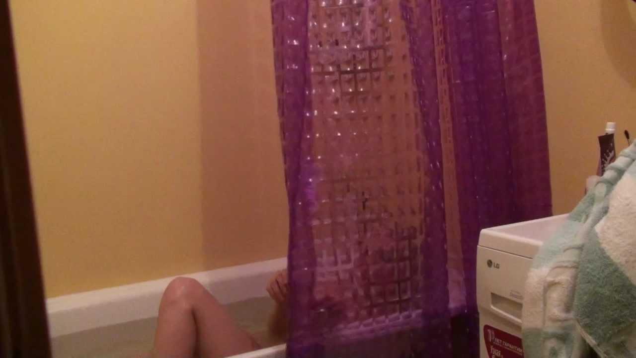 подсмотрел в ванной и трахнул