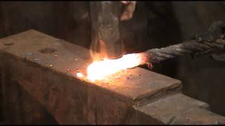 How To forge Weld Cable Damascus(Simple Video showing some -nasty- rusty cable forge welded successfully!, 2013-11-15T20:54:57.000Z)
