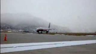 757 taking off at Eagle, Colorado