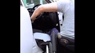 頚髄損傷者の車への移乗と、車椅子の積み込み(Wheelchair)