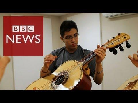 Mexico's top mariachi schools - BBC News