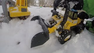 Tonka CONSTRUCTION TRUCKS DIG SNOW Dump Trucks POLICE Winter FUN!
