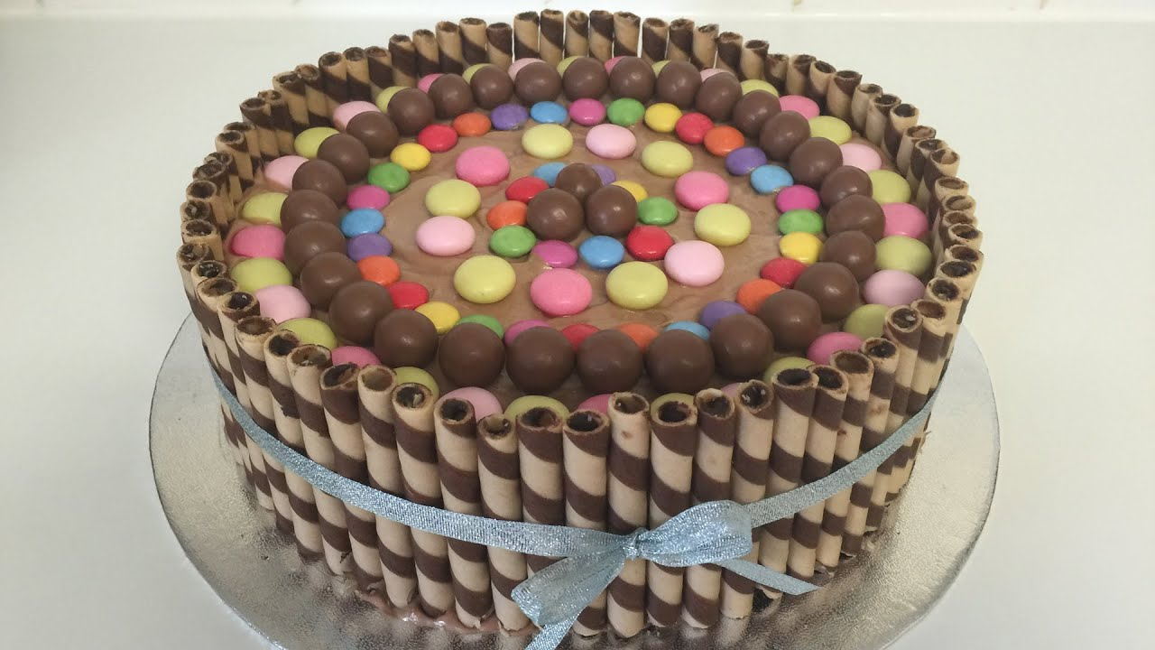 How To Make A Wafer And Smarties And Maltesers And Mentos Cake