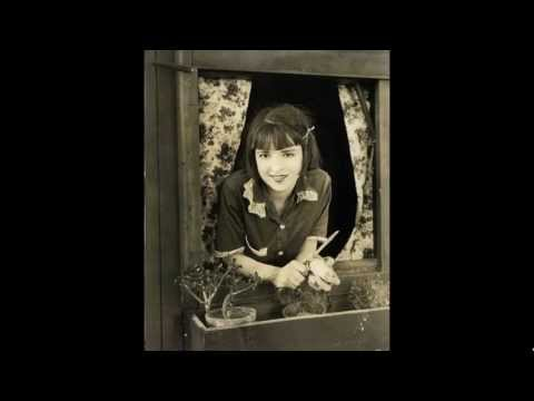 Moment in History Extra: Silent Star Actress Colleen Moore