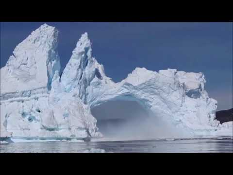 HUGE ICEBERG breaks apart!