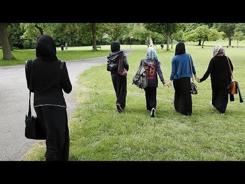 Germany reverses headscarf ban for Muslim teachers