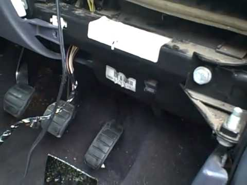 hqdefault renault grand espace youtube renault espace fuse box location at fashall.co