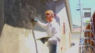 Teaching how to apply a skip trowel stucco finish by Kirk Giordano