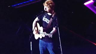 """Ed Sheeran """"Dive"""" (LIVE) @ The STAPLES Center on 8/11/17"""
