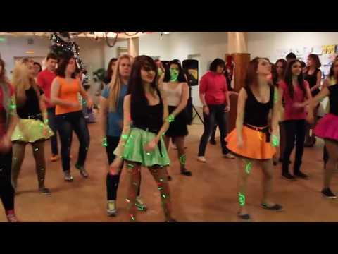 Новогодний флэшмоб 9 -х классов 2013г