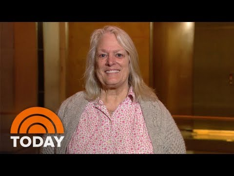 Ambush Makeovers On A Mother And Daughter 'I Look Like A Different Person!' | TODAY