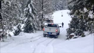 powerstroke vs cummins in snow