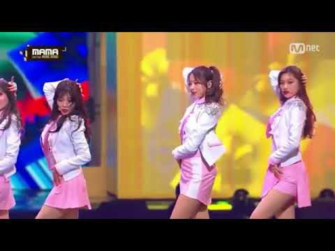 SEVENTEEN Mingyu Being Gentleman To GFRIEND Eunha (MAMA 2016)