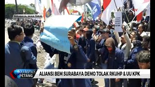 Mahasiswa Surabaya Demo Tolak RUU KUHP & UU KPK