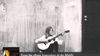 Liz Longley - Somewhere In the Middle